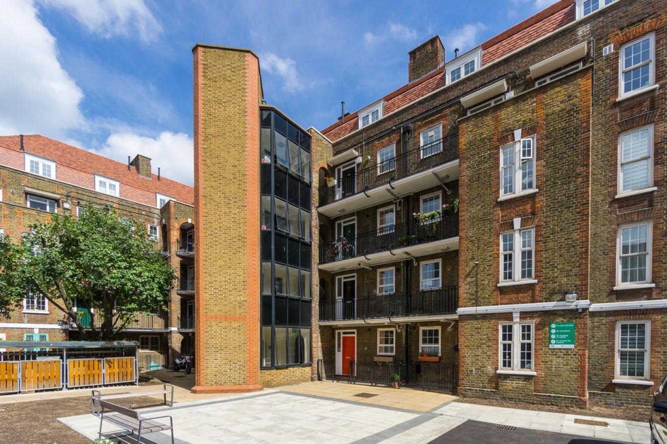 Images for Rollit Street, London EAID:c8d5f0ae42d594d169bca90f3b8b041a BID:1