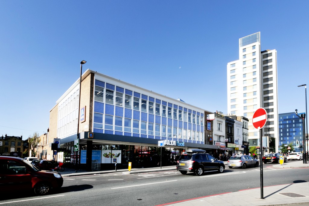 Images for Holloway Road, Archway EAID:c8d5f0ae42d594d169bca90f3b8b041a BID:1