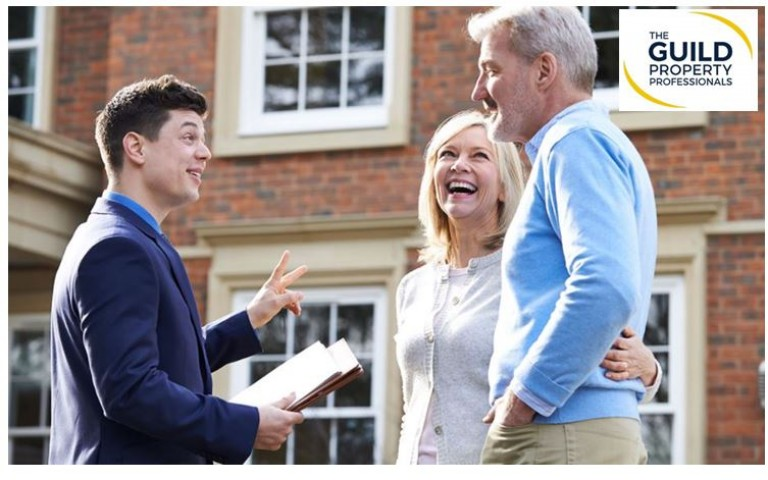 HOW CAN YOU BECOME AN ESTATE AGENT?